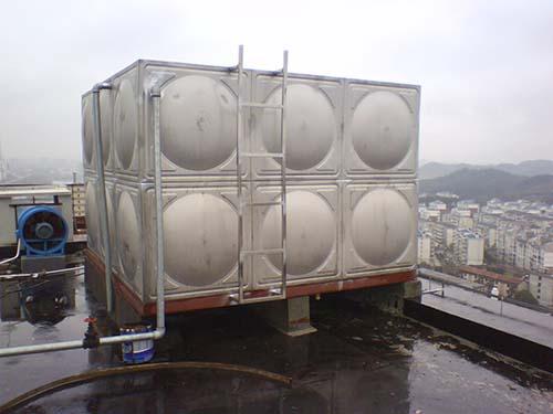 公司完成梅河口药厂用环球体育比分水箱2台