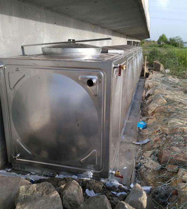 公司完成盘锦市辽河入海口监测站环球体育比分水箱1台